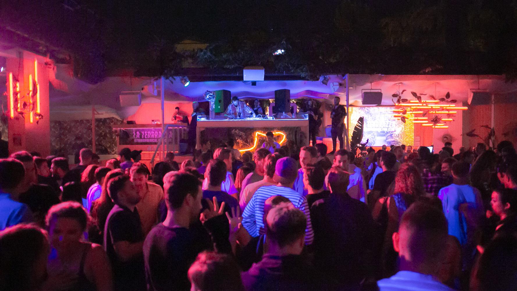 clubes y discotecas en barcelona